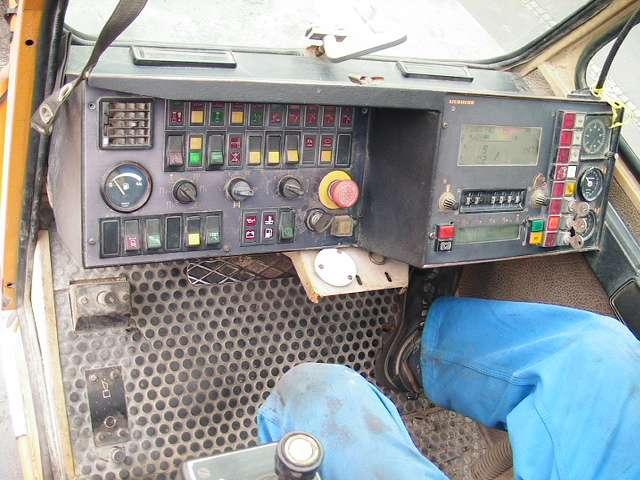Liebherr LTM 1200 Main Boom 54,5 mtr + Fix jib 22 Luffing jib 63 mtr - 1991 - image 20