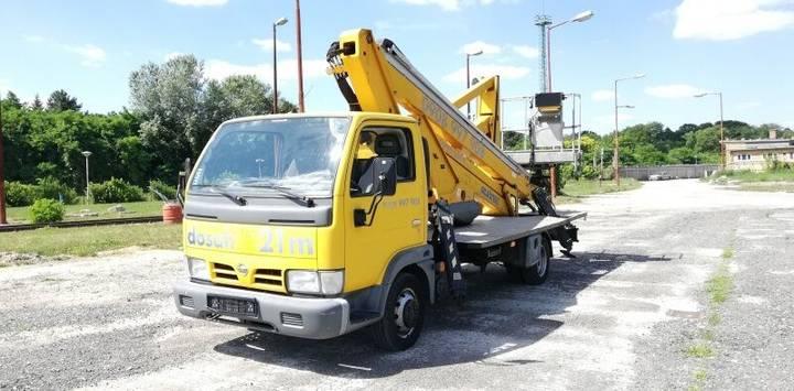 Nissan Cabstar Oil&Steel Snake 2190 Metropolis - 21m - 2005