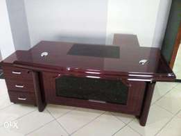 1.6 meter executive classic table