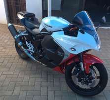 **Hyosung GT650R 2014**Like New** Only 3300km
