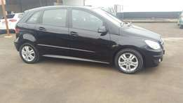 Mercedes-Benz b180 automatic 2011 for sale