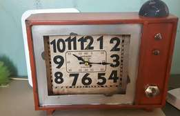 nice vintage looking clock