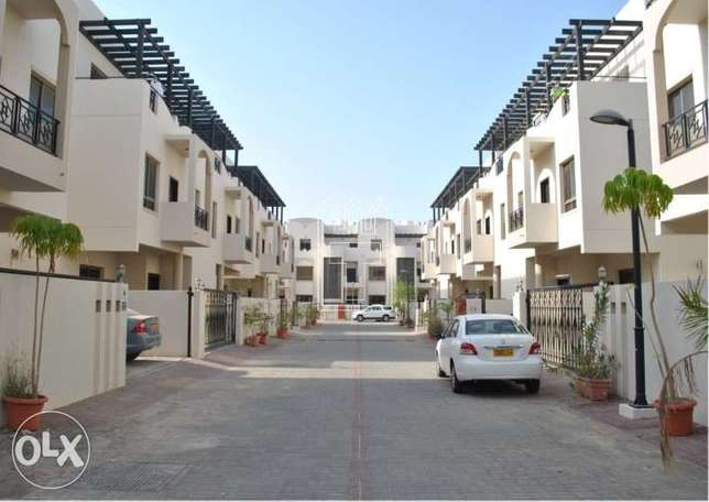 Spacious Modern Villas in Al Khoudh with Kitchen Appliances