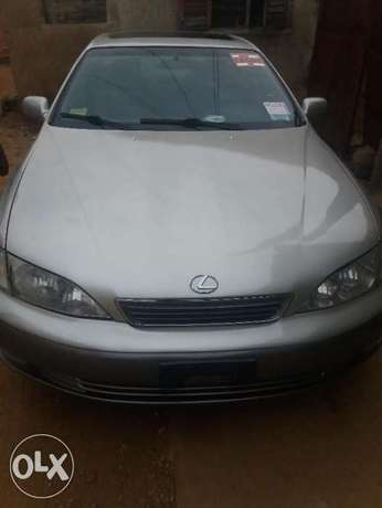 lexus ES 300 with AC working perfectly Ibadan South West - image 1