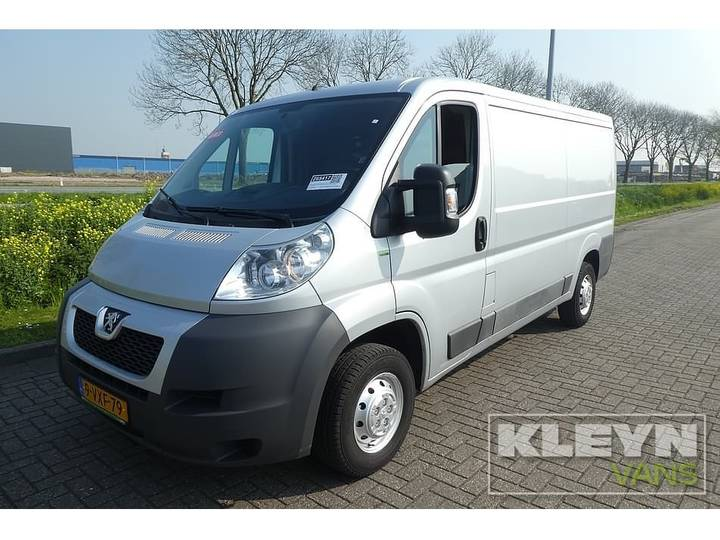 Peugeot BOXER 130 HDI L2H1 A lang, airco, metalli - 2012