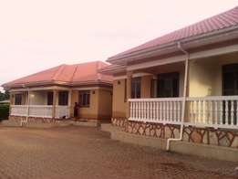 Fabulous 2 bedroom house for rent in Mutungo at 500k
