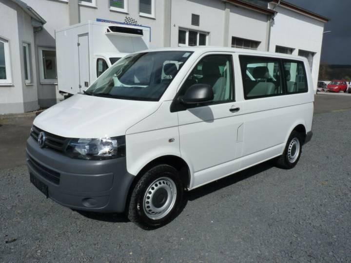 Volkswagen T5 Transporter Kombi 9 Sitze Klima AHK - 2013