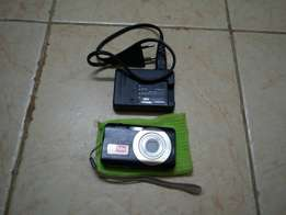 Casio Exilim 8.1 MP Camera photo video