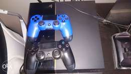 Ps4 plus 7 games and 2 remotes 1gig HD