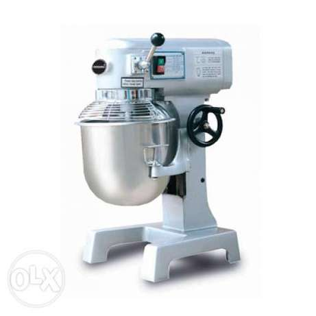 Mixer for dough with three blade