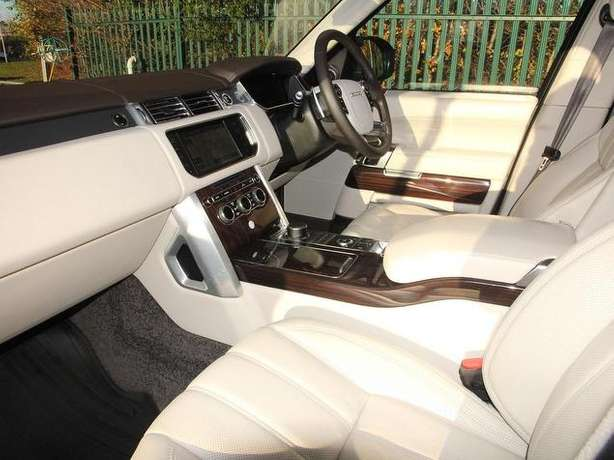2015 Range Rover Vogue 4.4 diesel *Long wheel base *Rear screens &more Nairobi West - image 2