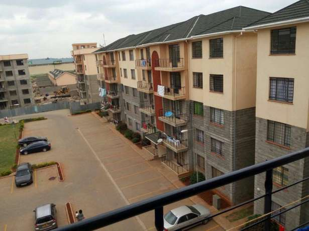 Quick sale, 3 Bedroom master ensuite apartment Greenspan mall Donholm Greenspan - image 4