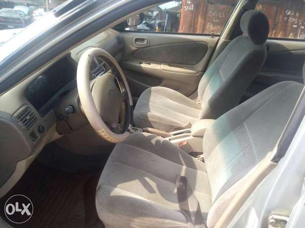Clean Nigerian used Toyota corolla 2000 Model Port Harcourt - image 6
