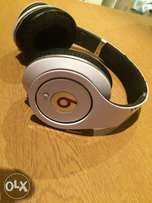 2nd hand Beats by dr dre studios