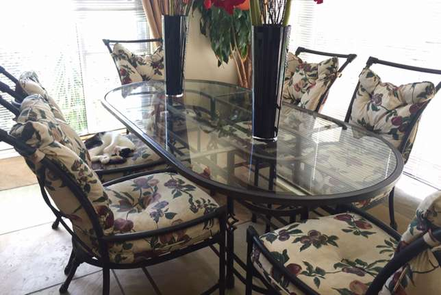 Iron and glass dining set Bellville - image 1