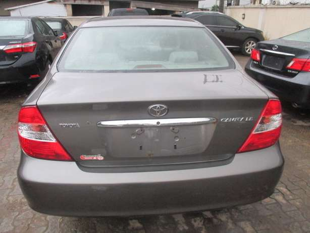 Very Clean Toyota Camry 03, Tokunbo Lagos Mainland - image 6