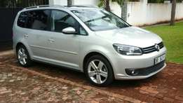 VW Touran 2012 model 1.4 TSI 32000km with panaromic