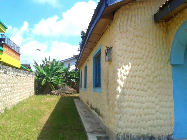 Excellent 3 bedroom own compound Bungalow FOR SALE Kiembeni - image 4