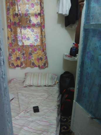 A Number Of Small Rooms For Workers Around lkoyi/VI/Lekki/Island.. Ikoyi - image 3