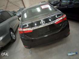 Extremely clean 2014 Toyota corolla LE