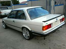 bmw e30 box shape in excellent condition 1owner from new