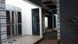 Prince 2 bedroom house for rent in Seeta-Kigunga at 250k