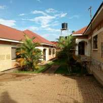 two bedroom house for rent in naalya at 550k