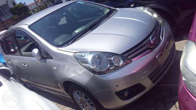Nissan note silver colour fully loaded kcn Mombasa Island - image 2