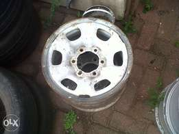 we buy unwanted mag rims and tyres (try us for quote)