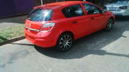 2006 Opel astral in good running conditions this car look clean
