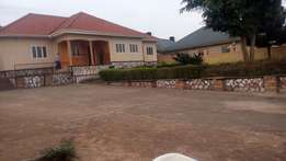 4bedrooms 3bathrooms 1quarter on 25decimals in Mbalwa at 470m negotiab