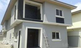 A Lovely 5 Bedrooms Detached Duplex for Rent in Lekki Phase 1.