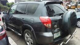 Toyota RAV4 Extremely Clean