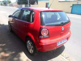 Polo 1.6 2006 model Red in color 90000km R73000