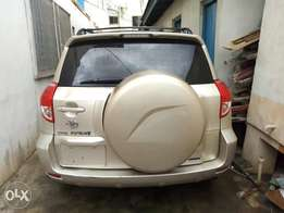 Clean Tokunbo notch first body accident free Toyota RAV4 2 days used