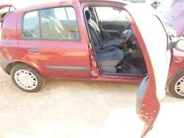 Logic Spares is stripping a 2000 Renault Clio 1.4 16V RT for spares...