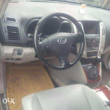 Tincan Cleared Tokunbo, Lexus RX330, 2005, Very OK Lagos Island East - image 5
