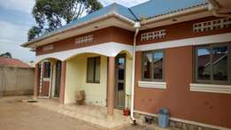 A posh self contained double in kisaasi at 350k