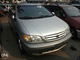 Very sharp Toks 2001 Toyota Seinna for sale