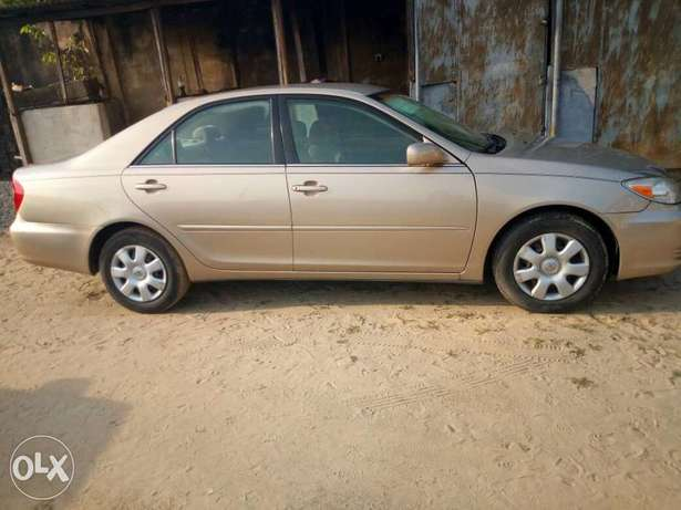 Tokunbo 2004 Toyota Camry Big Daddy LE Festac Town - image 6