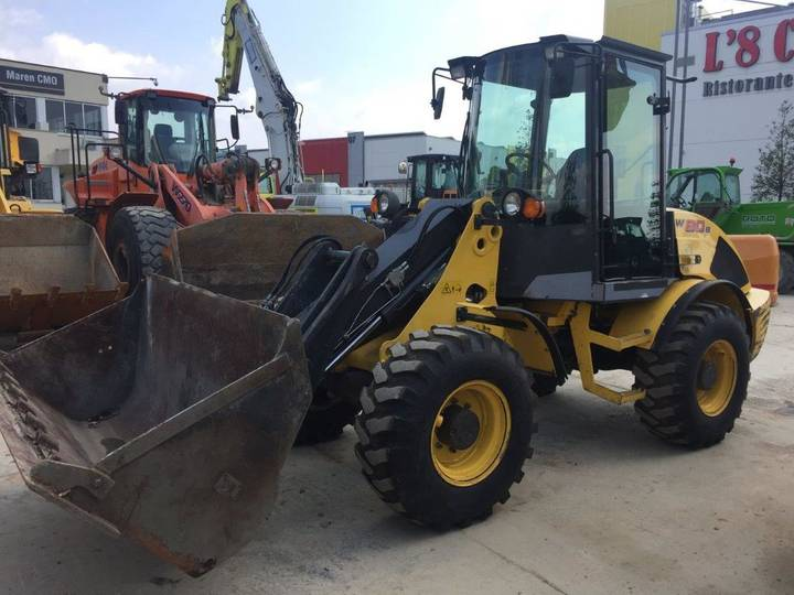 New Holland W80 - 2011