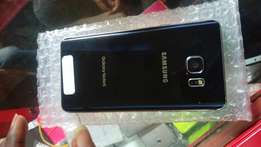 Clean Samsung Note 5.. sales!!! Still on