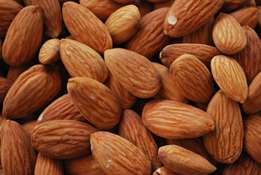 Sweet Almond Kernel Nuts in Shell Available