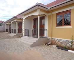 close to main 2 bedroom house in kiira at 450k