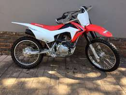 2015 Honda CRF 125 MINT condition
