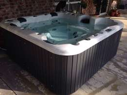 New Multimedia Outdoor spa plug & play free standing Jacuzzis