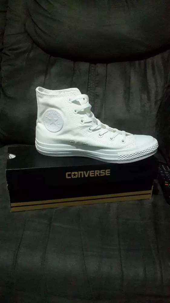 Converse All Stars for Sale R550