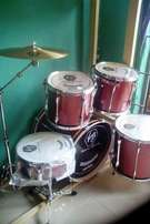 .{Virgin}5pcs drum set..power lugs.