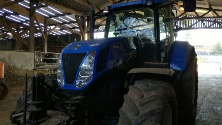 New Holland t7.235ac - 2013
