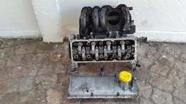 RENAULT CLIO 1.4 8V CYLINDER HEAD and Block - Bmw Cylinder Head, Etc